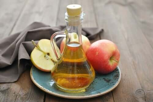 Vinagre de maçã para regular a menstruação