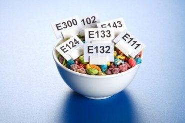 Como os aditivos alimentares agem em nosso organismo?