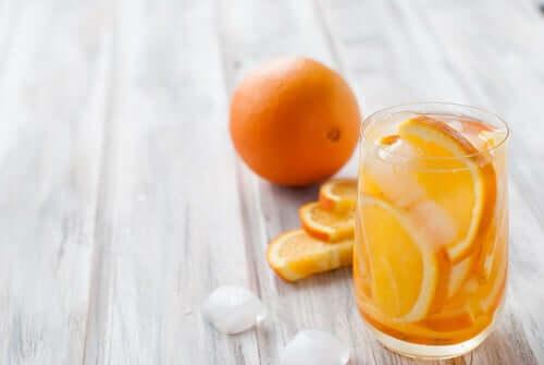 Bebida de laranja sem álcool