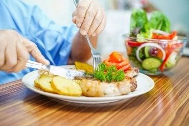 Restrições alimentares para pacientes neutropênicos