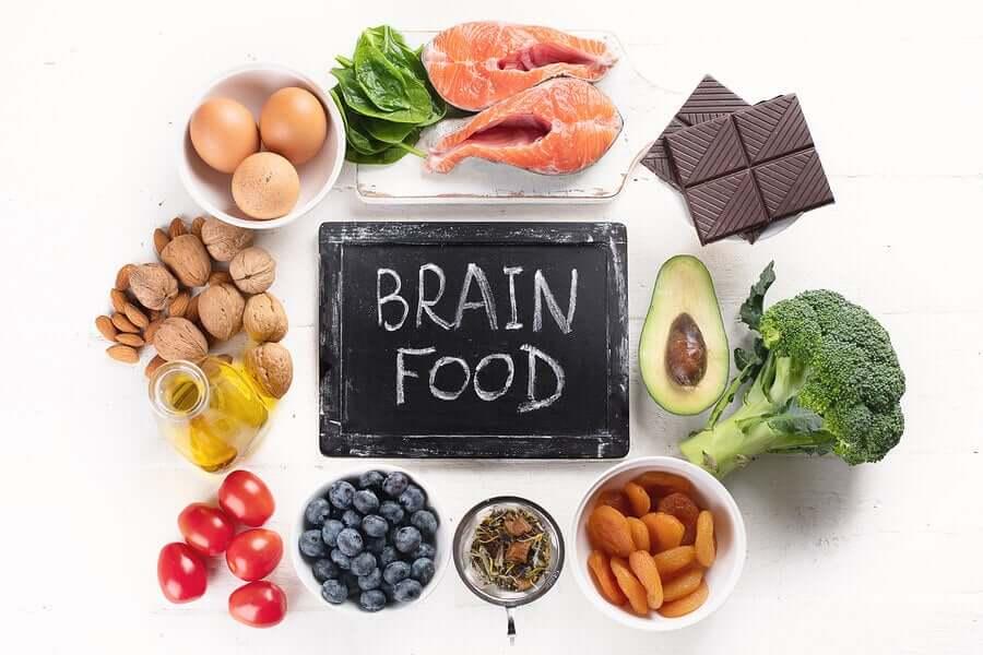6 alimentos benéficos para a saúde do cérebro
