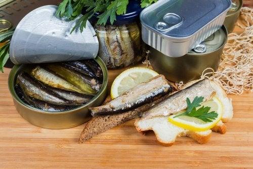 É saudável consumir o caldo dos alimentos em conserva?