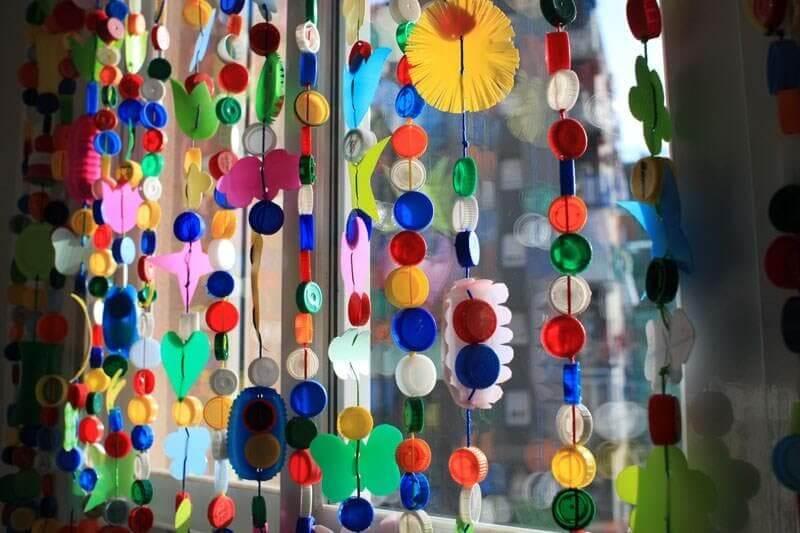 Tampas de garrafas na decoração