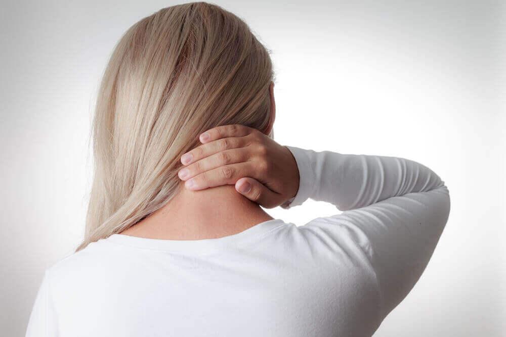 Dor e rigidez no pescoço