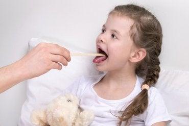 Laringite em crianças: sintomas e tratamento