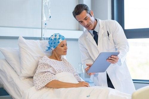 Quais são os efeitos colaterais do tratamento do câncer?