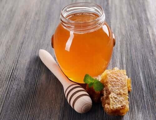 Chá de pimenta e mel