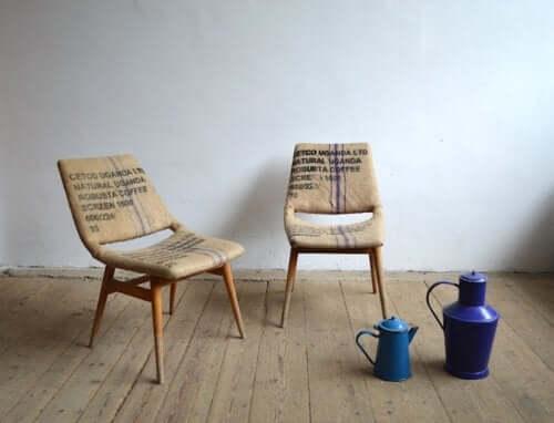 Cadeiras rústicas