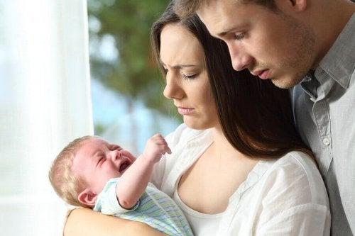 Cólica do lactente: causas e dicas para os pais