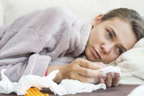 Jovem doente em casa