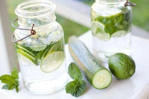 Água de pepino: dieta para perder a barriga