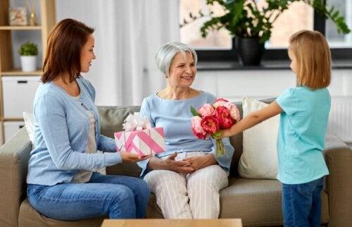 Qual é o papel da família no tratamento do Alzheimer?