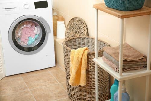 Como eliminar o cheiro de mofo das toalhas?