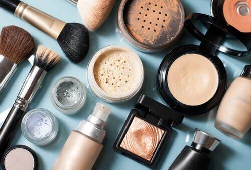 Os cosméticos podem provocar dermatite perioral