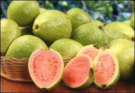 A goiaba possui uma grande quantidade de vitamina C