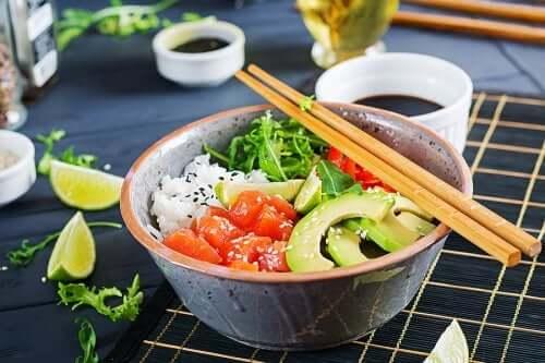 3 receitas de salada de arroz que você precisa experimentar