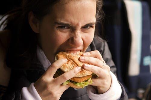 O food craving é um desejo incontrolável de consumir certos alimentos