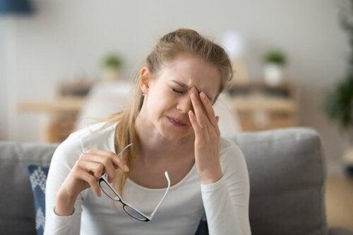 Conjuntivite alérgica: sintomas, causas e tratamento