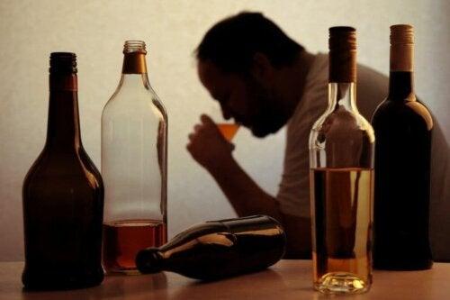 Homem alcoólatra