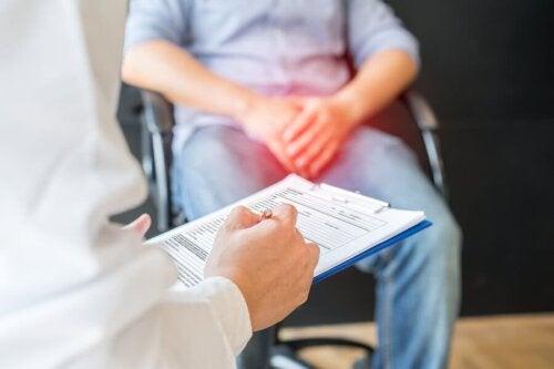 Epididimite: sintomas, causas e tratamento