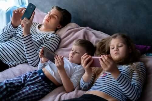 Excesso de exposição a telas em crianças
