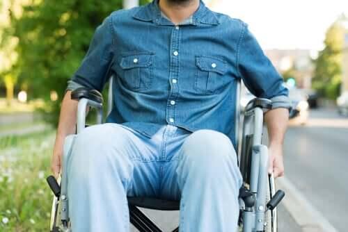 Com que idade a esclerose múltipla pode aparecer?