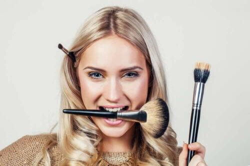 Limpeza dos itens de maquiagem