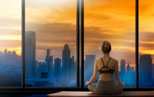 Meditar com o nascer do sol