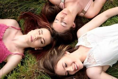 A sincronização do ciclo menstrual em mulheres