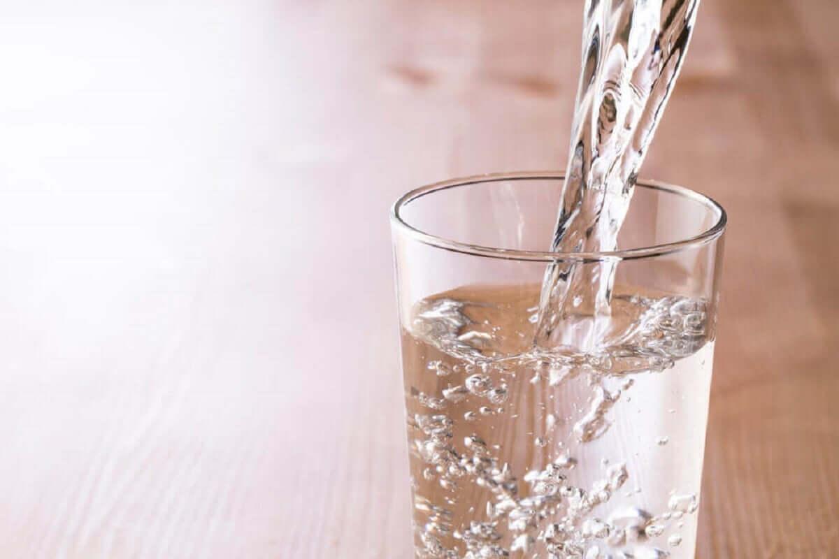 Beber água com frequência