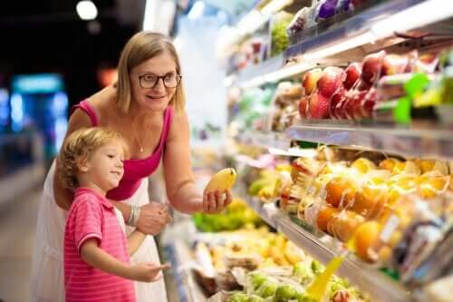 7 dicas para manter uma boa alimentação infantil no verão