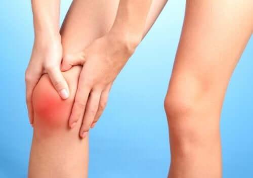 A dor articular pode ser desencadeada ao consumir açúcar em excesso