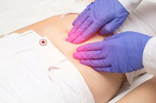 Mulher com endometriose