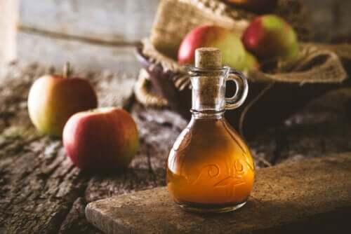 5 benefícios do vinagre de maçã de acordo com a ciência