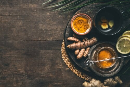 Ingredientes do chá de cúrcuma