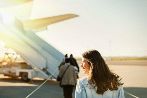 Mulher indo viajar