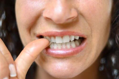 O que é a paroníquia e quais são os tratamentos disponíveis?