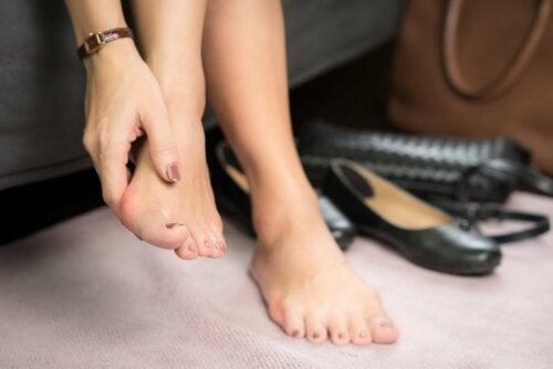 Sapatos que machucam os pés