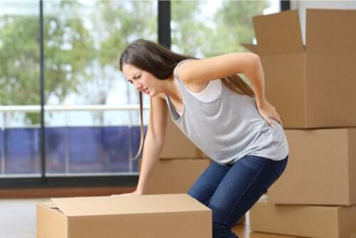 Quais são as causas da dor lombar?