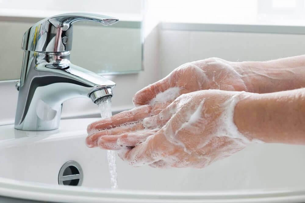 Lavar bem as mãos