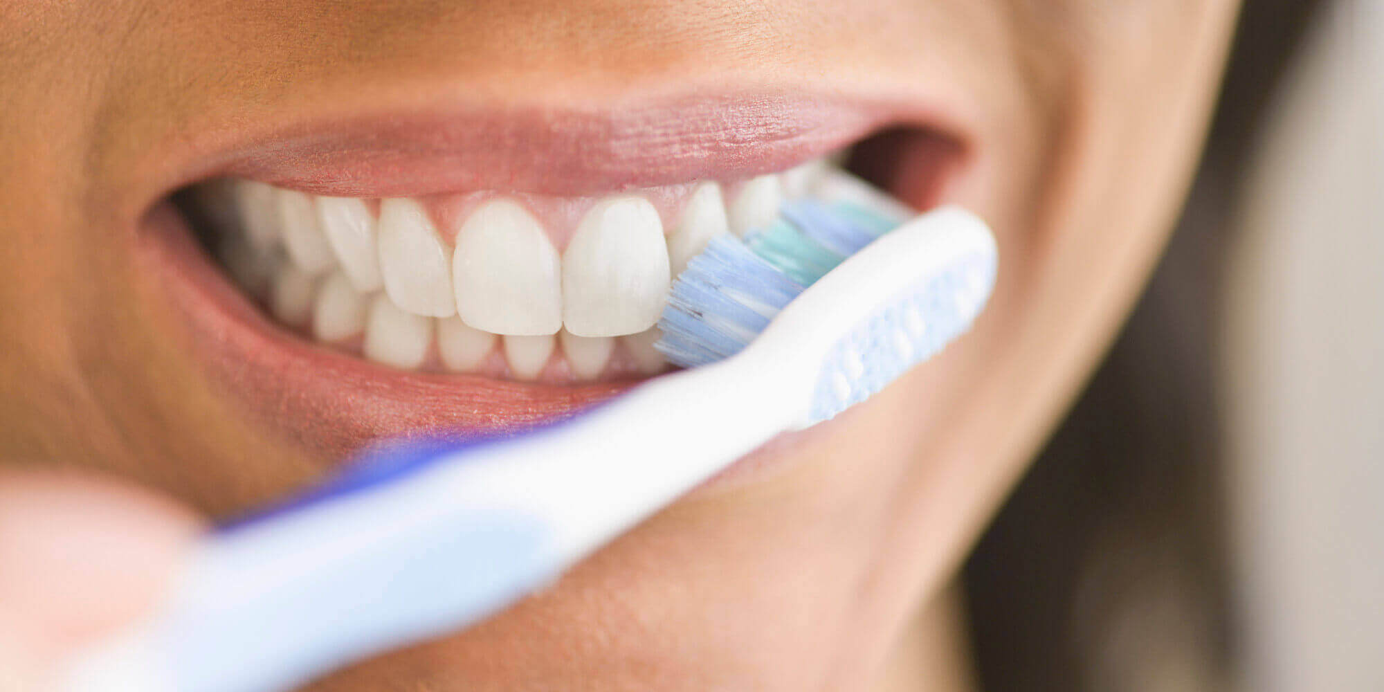 Escovar bem os dentes