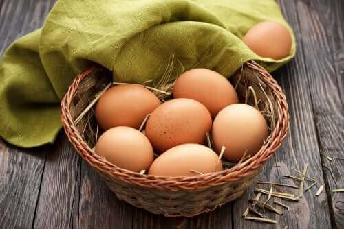 Cesta com ovos