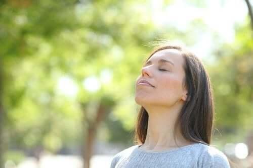 Quais são os benefícios do silêncio como terapia?