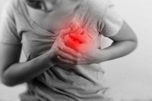 Pessoa tendo um infarto