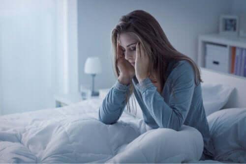 Ansiedade ao acordar: por que ocorre e como aliviá-la?