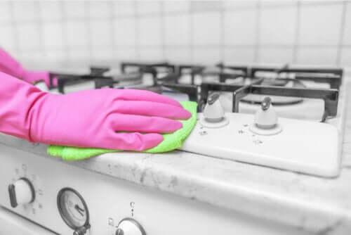 O vinagre é eficaz para desinfetar a casa?
