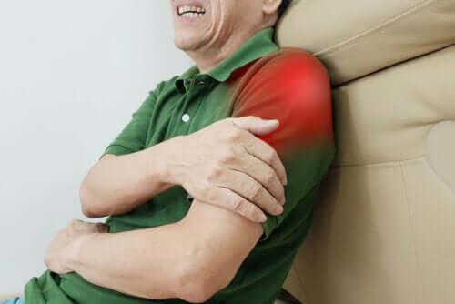 12 exercícios para o alívio da tendinite no ombro