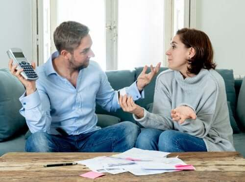 Chaves para evitar discussões sobre dinheiro no relacionamento