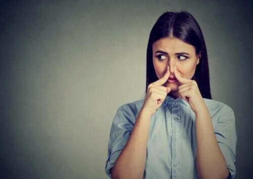 Fantosmia: como ocorrem as alucinações olfativas?