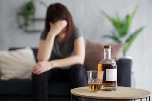 O que acontece com o seu corpo ao beber álcool com o estômago vazio?
